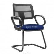 Cadeira Interlocutor fixa Zip com encosto em tela e assento estofado com braços fixos e Estrutura fixa em S cor Preta