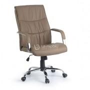 Cadeira Presidente Giratoria Estofada em Couro Ecologico com Braços Fixos Cromados e rodizios em PU