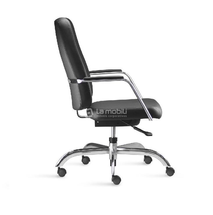 Cadeira Diretor Giratória Maxxer Estofada com Braços Fixos Cromados