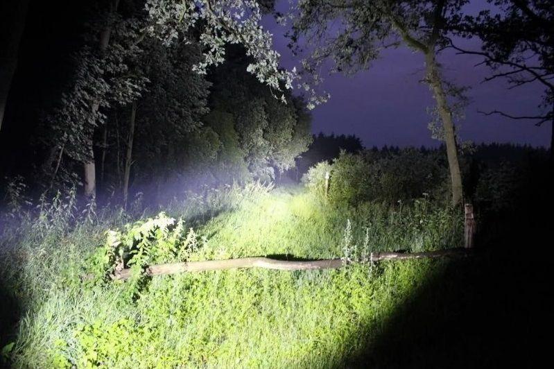 Lanterna Tática Profissional Led 990000W Potente Recarregável À prova d'água