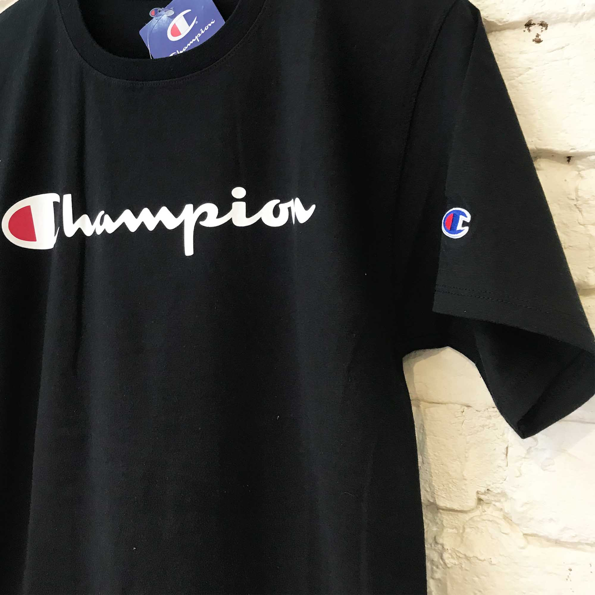 Camiseta Champion Logo Manuscrito Black