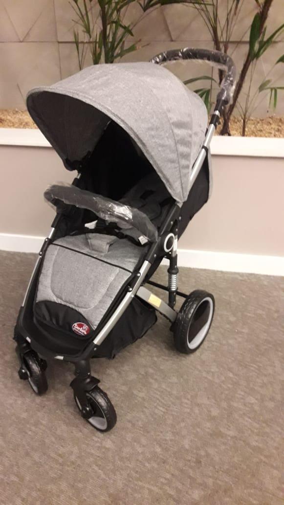 Carrinho de Bebê Week Dardara - Cinza
