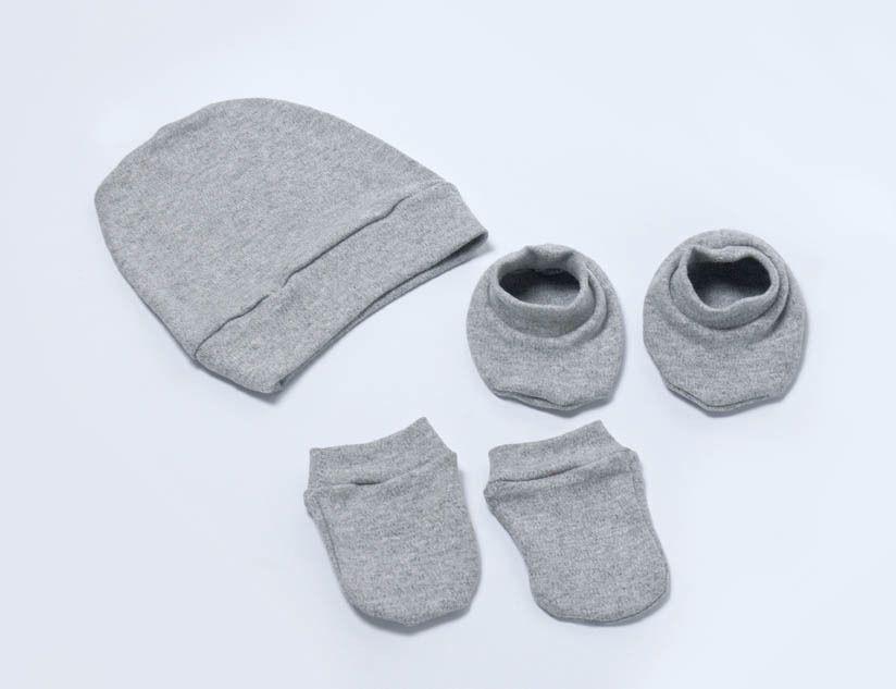 Kit 3 peças: touca, luvinha e pantufa - Suedine