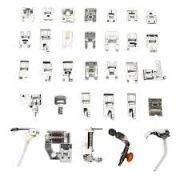Kit com 32 calcadores para máquinas de costura domésticas.
