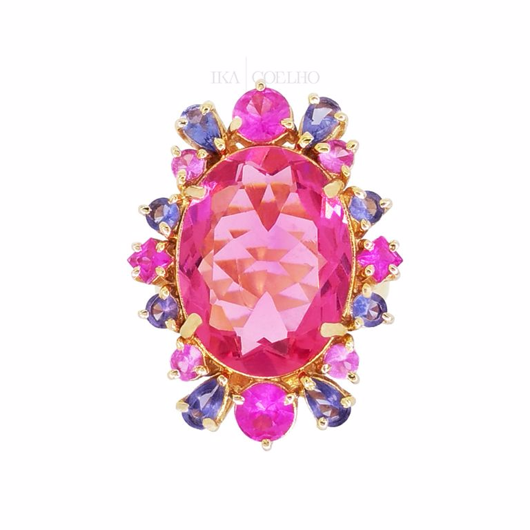 Anel Cristal Rosa Pink com Contorno Cristal Colorido no Banho de Ouro 18k Semijoia