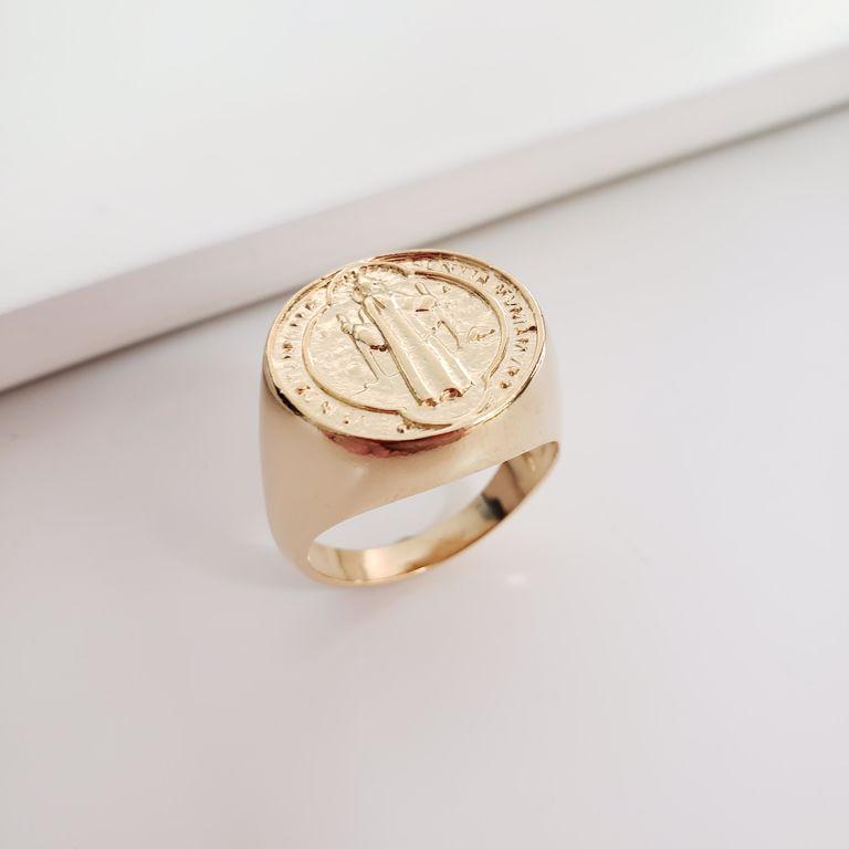 Anel Liso Medalha São Bento Banho Ouro 18k Semijoia