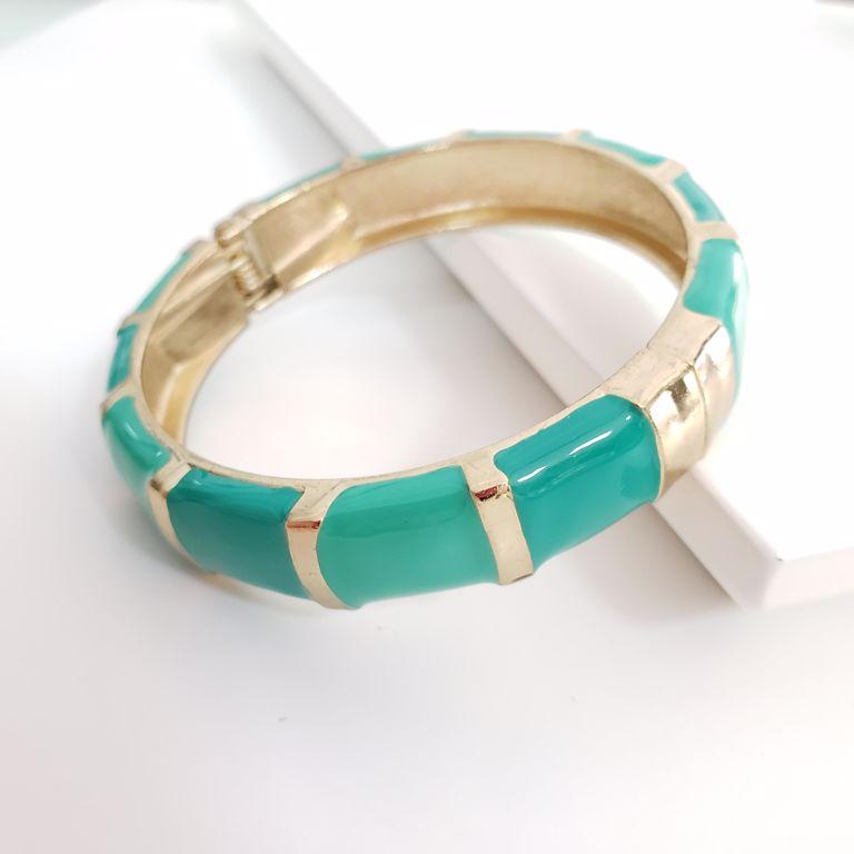 Bracelete Esmaltado Verde com Filetes Dourados Banho Ouro 18k Semijoia