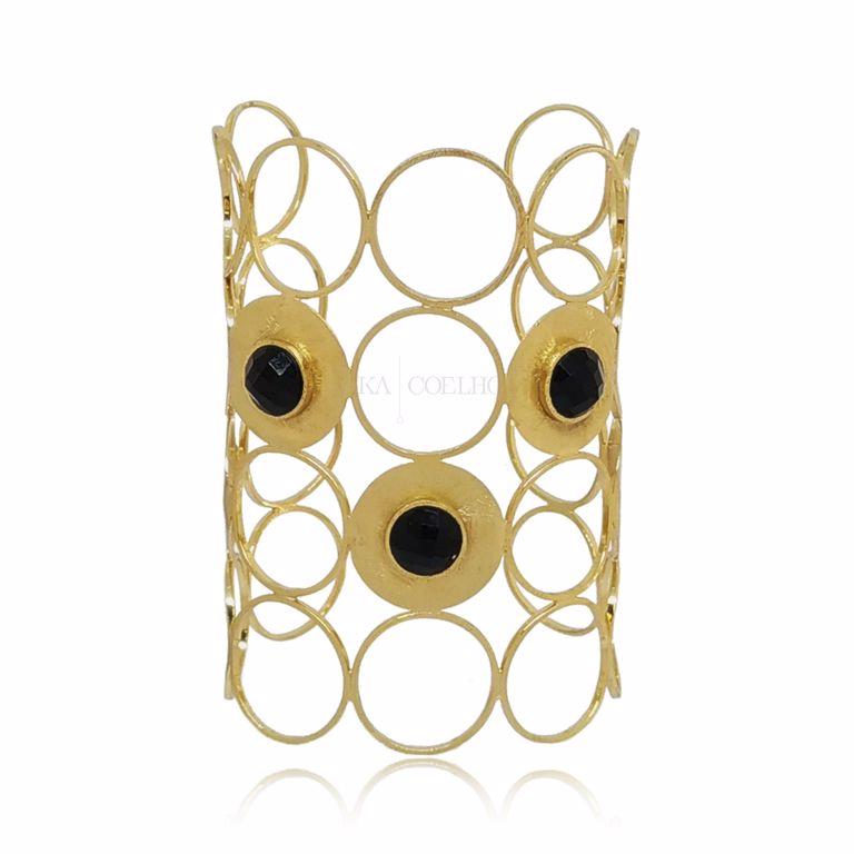 Bracelete Largo Círculos Vazados e Escovados Pedra Ágata Preta Banho Ouro 18k Semijoia