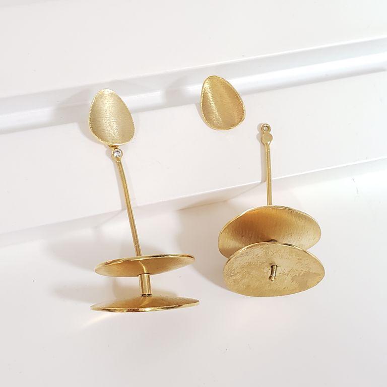 Brinco 2 em 1 Chapinhas Banho de Ouro 18k Escovado Semijoia