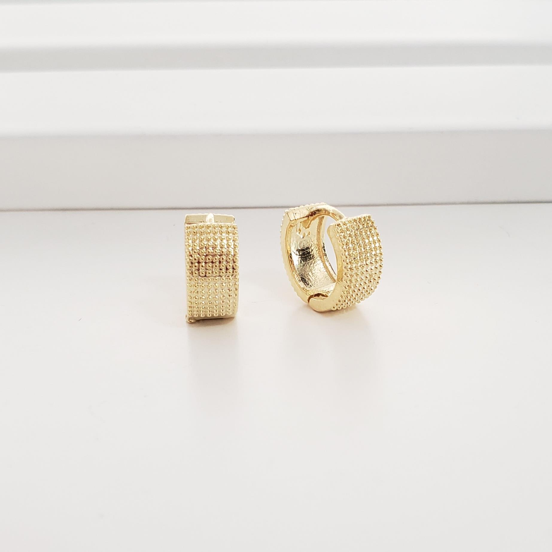 Brinco Argola 1,3cm Reta Pipoquinha no Banho Ouro 18k Semijoia