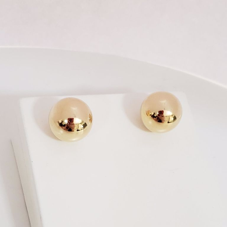 Brinco Botão Bola Lisa 1cm no Banho Ouro 18k Semijoia