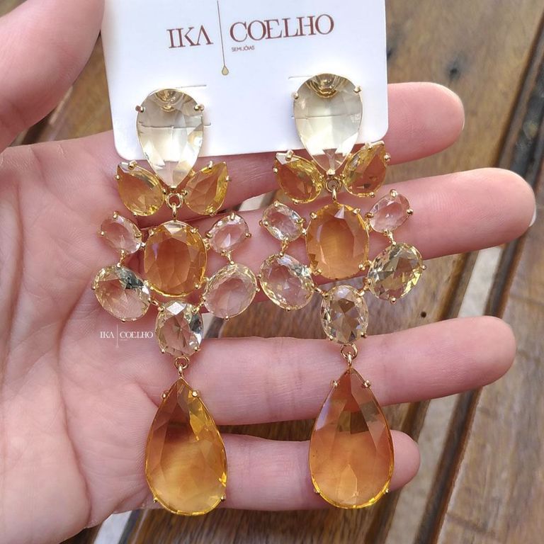 Brinco de Festa Todo Pedras Cristal Amarelo Gota no Banho de Ouro 18k Semijoia