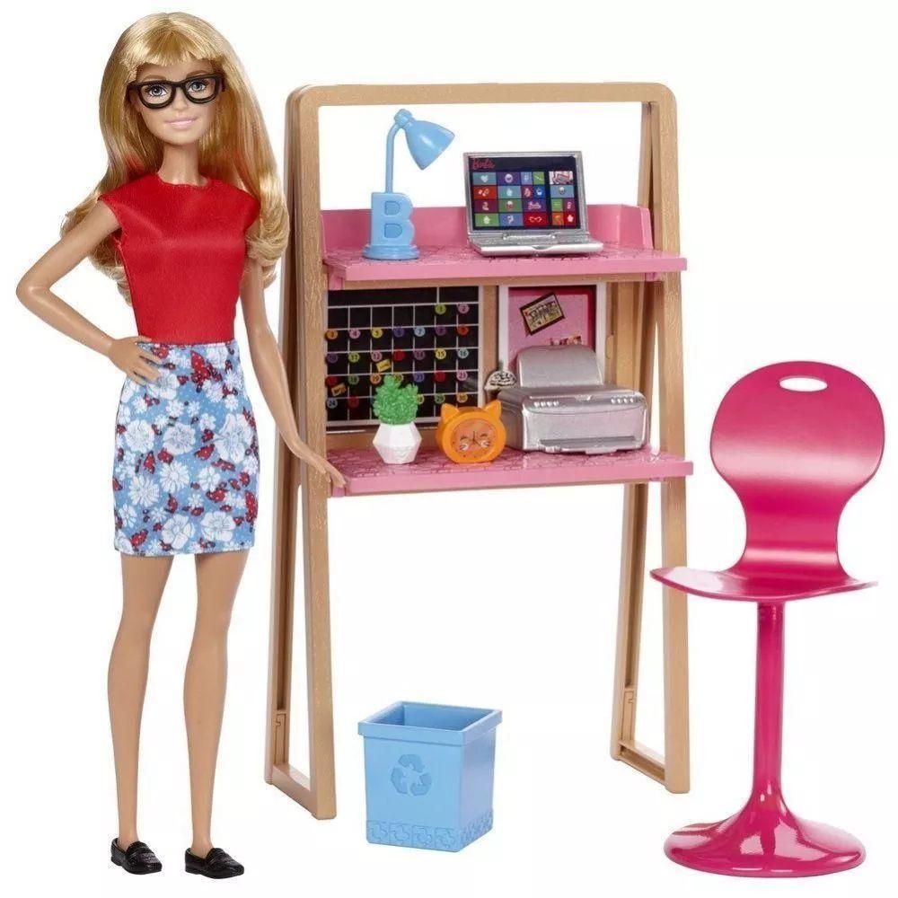 Barbie com Móveis e Acessórios Sortidos DVX51 Mattel