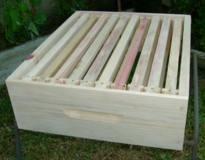 Melgueira para caixa de abelhas