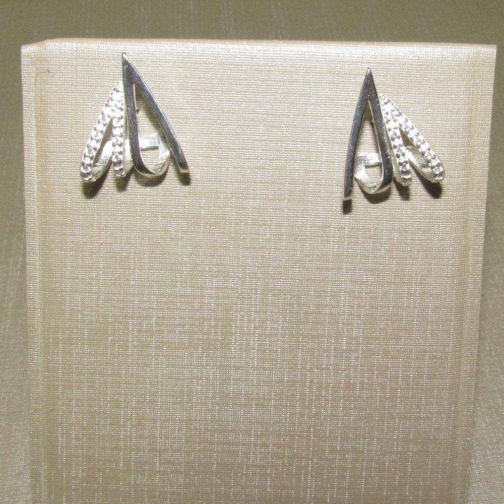 Brinco Prata Gota Triângulo Riscos com zircônias