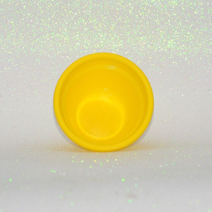 Vaso plástico - amarelo - 10 cm - Kit 24 un + brinde