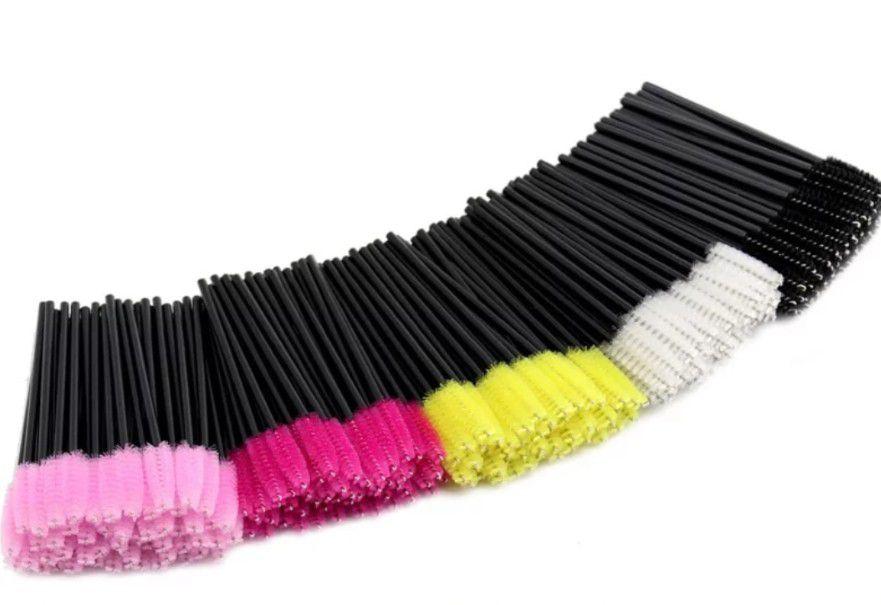 Kit com 25 Bastões escovinha para pentear cílios e sobrancelhas