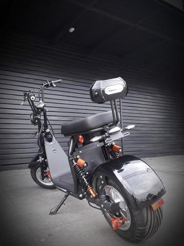 Scooter Patinete Elétrico P6-R /  2000W - 21AH