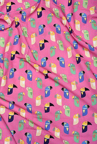 Kit trio berço Pássaros Brasileiros (fronha estampada + lençol de cobrir estampado + lençol de elástico branco) *nesse kit o lençol de elástico é GRÁTIS*