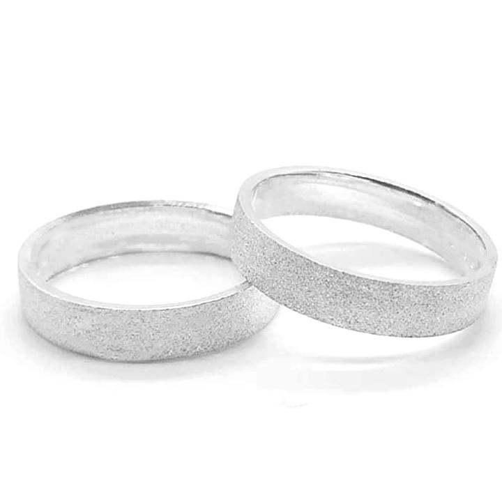 Aliança em Prata Diamantada