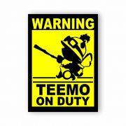 Placa Decorativa Capitão Teemo no Comando - PVC - 20x14cm