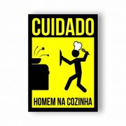 Placa Decorativa Cuidado Homem na Cozinha - PVC - 20x14cm
