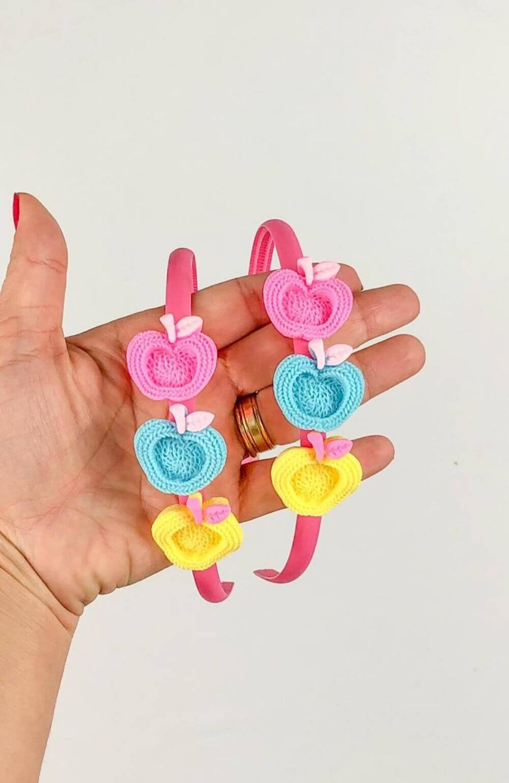 Tiara Maçã com presilhas removíveis Infantil
