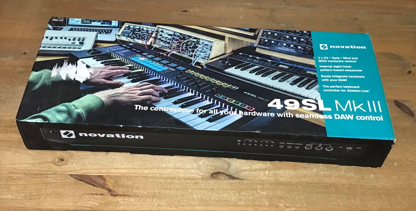 Controlador USB/MIDI 49SL MK3 Novation - OUTLET