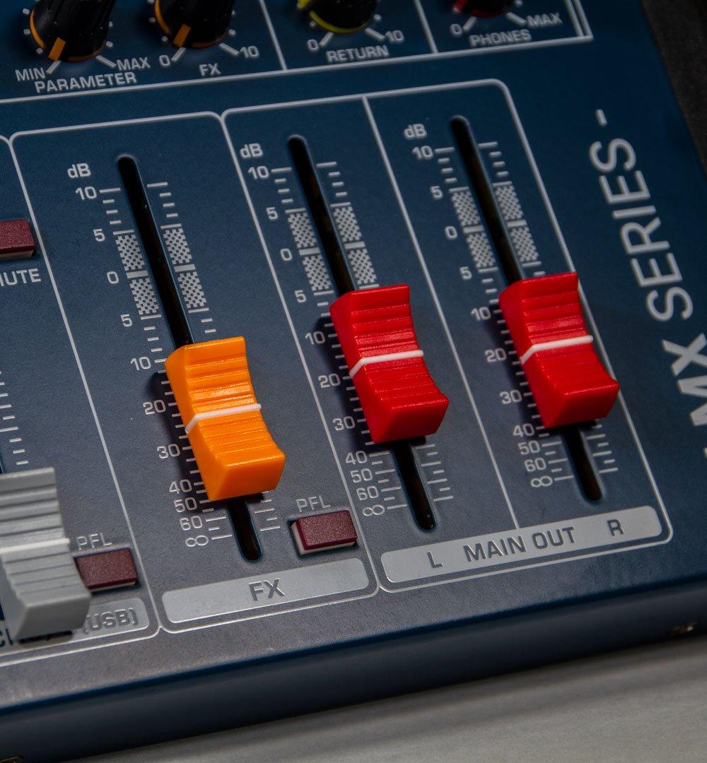 Mesa de Som 12 Canais LMX12USB Lexsen - Efeitos e Interface