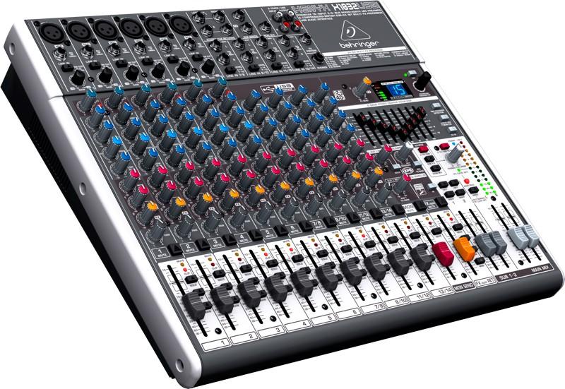 Mesa de Som Xenyx X1832USB Behringer - Mixer Bivolt