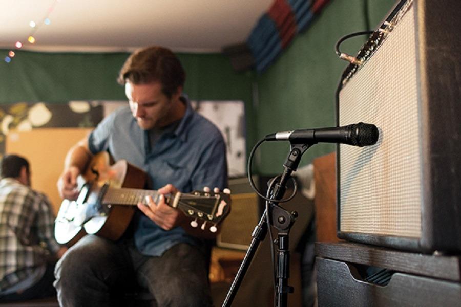Microfone Shure PGA57 para Amplificador e Instrumento