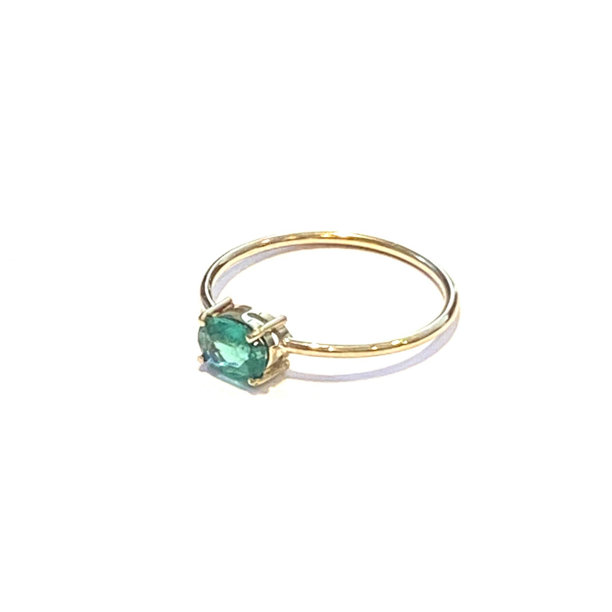 Anel Ouro 18K Esmeralda Oval Geometrico Natural Feminino Pedra Verde 0.6X.04cm E02ct05K240