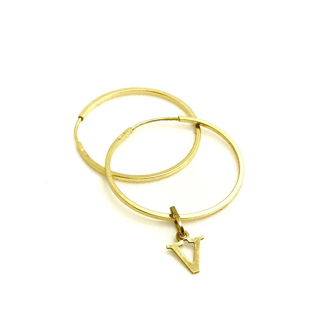 Brinco Argola Tradicional 2cm Com Letra Ouro 18k