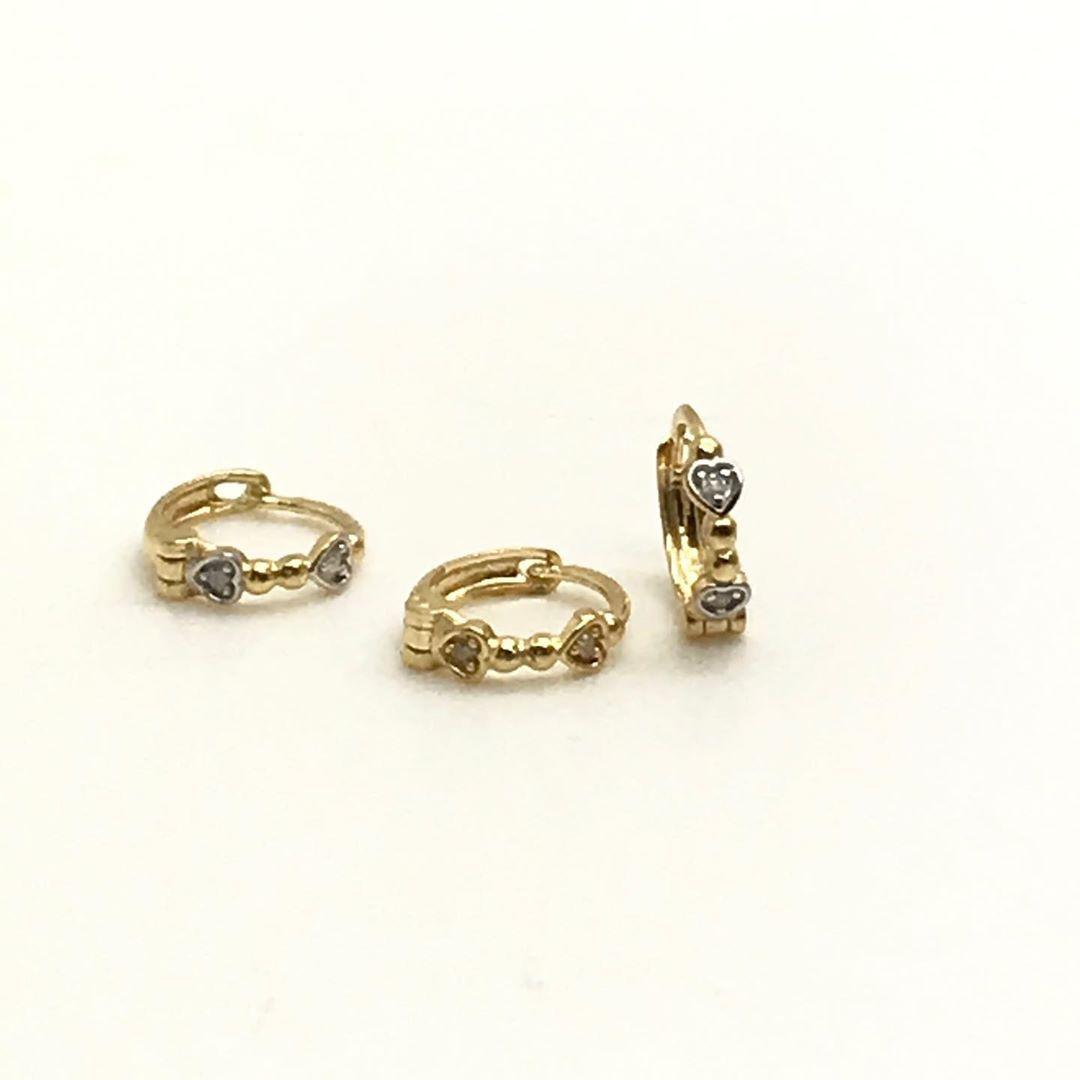 Brinco - Segundo Furo -Bebe  Ouro 18k Argola 6mm Coraçao com Diamantes B13240