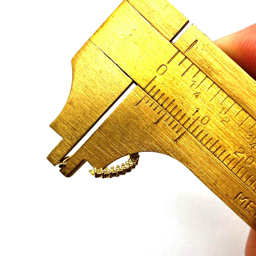 Piercing Ouro 18k Argola Com 17 Pedras e Trava Cartilagem Rook Hook Helix Daith Tragus Orelha Cartilagem FCO103K060