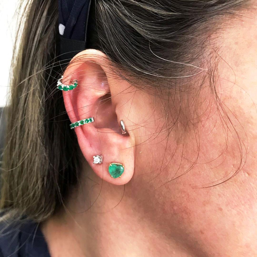 Piercing Uma Peça Argola com Esmeralda Natural Ouro 18k