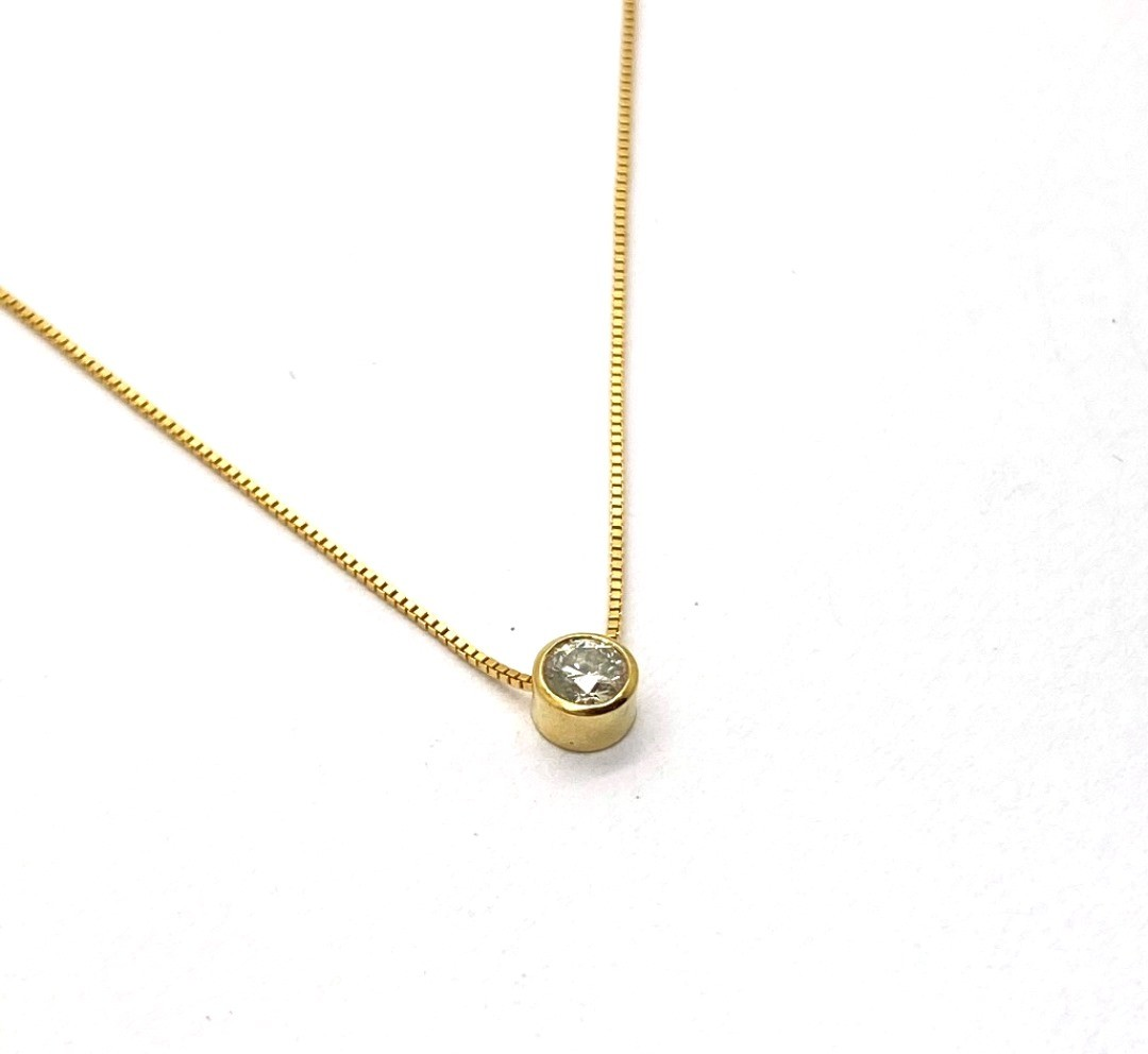 Ponto de Luz em Ouro 18k Pedra Diamante 17 pontos 3.6cm com Corrente K480