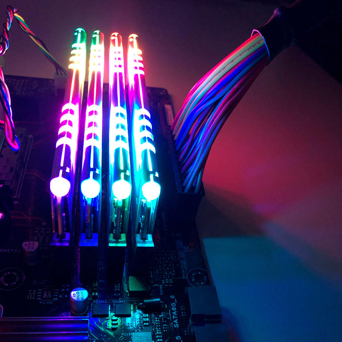 Memória Gamer 16GB Best Memory Highlander RGB, DDR4, 3200MHz - BT-D4-16G-3200DW-RGB - Branca