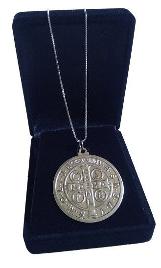 Colar Com Medalha De São Bento Folheada