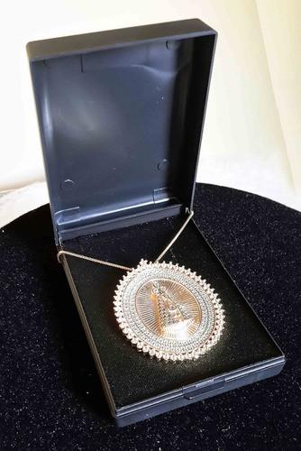Pingente Nossa Senhora Oval Folheada Ouro Com Microzirconias