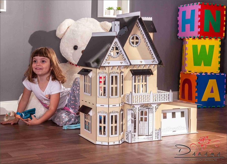 Casa de Bonecas Compatível com Lol e Polly  Garagem  mod. Anne Crem - Darama