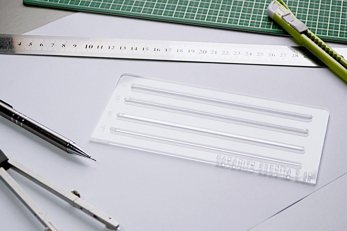 Gabarito de Escritas mod D-30 em acrílico - Fenix