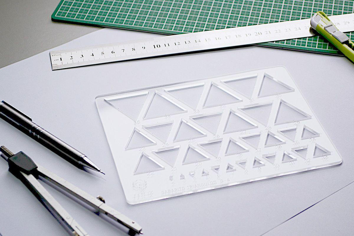 Gabarito de Triângulos mod D-17 em acrílico - Fenix
