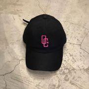 """Dad Hat Overcome """"Logo"""" Preto/Rosa"""
