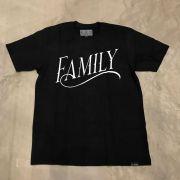 """Camiseta Famous """"Book It"""" Preta"""