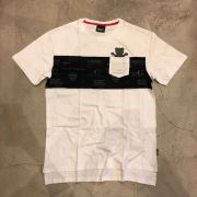 """Camiseta Grizzly """"Front Runner S/S Pocket Knit"""" Branca"""