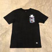 "Camiseta Grizzly ""Nice Trip Pocket"" Preta"