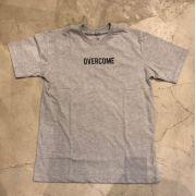 "Camiseta Overcome ""Logobox"" Cinza"
