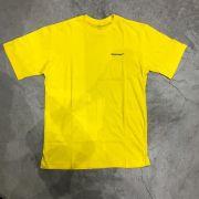 "Camiseta Overcome Co ""Mini Script"" Amarela"