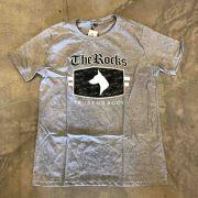 "Camiseta The Rocks ""Trust Nobody 2"" Cinza"